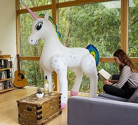 unicornio hinchable decorativo gigante